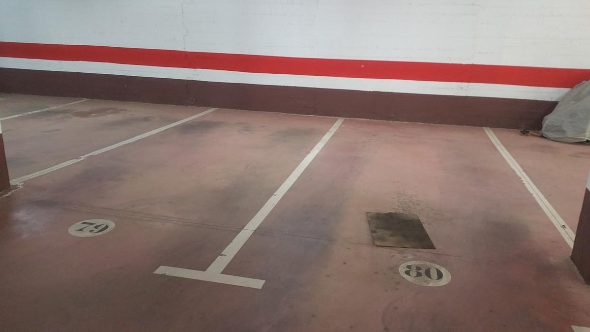 Comercial Garaje 0 Dormitorio(s) en Venta Nueva Andalucía