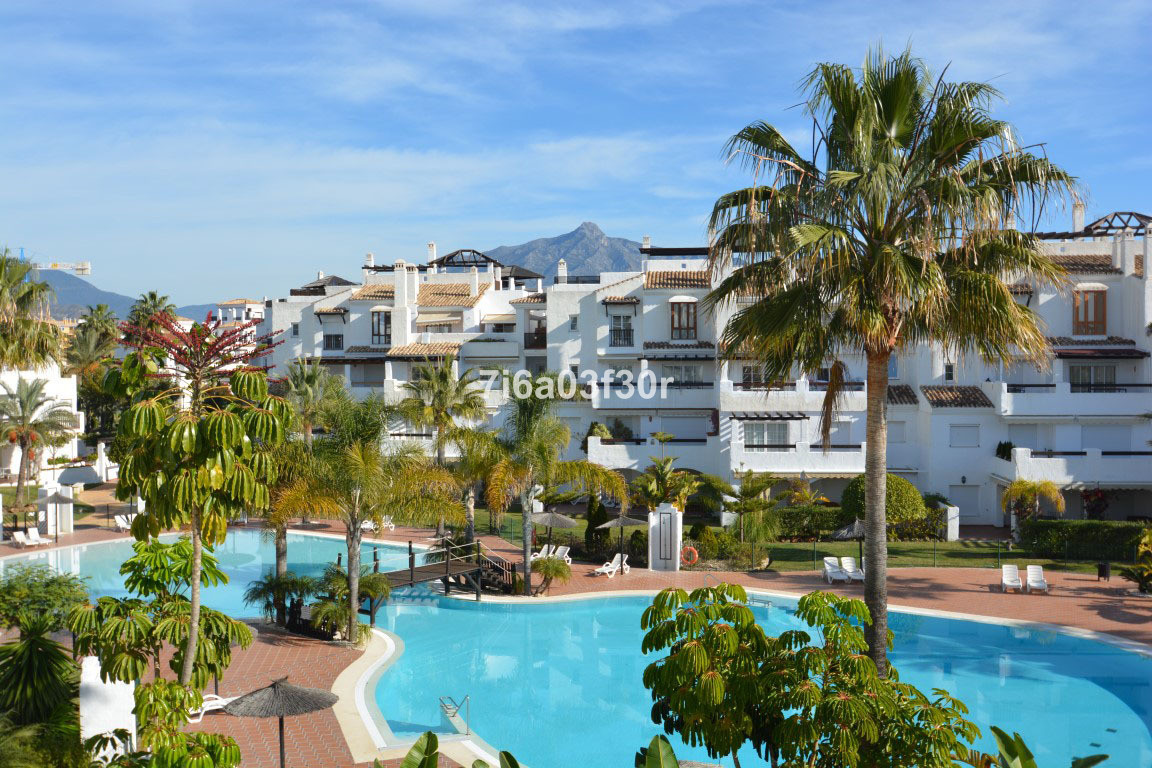 Apartment  Middle Floor for sale  and for rent  in San Pedro de Alcántara
