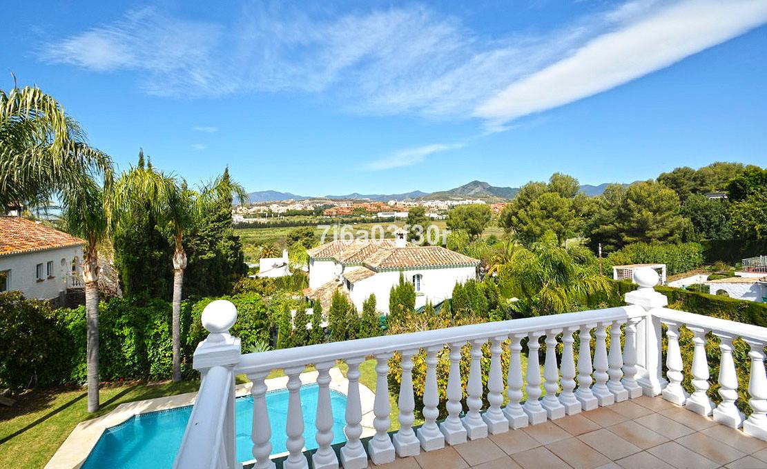 Detached Villa in Guadalmina Alta R3173851