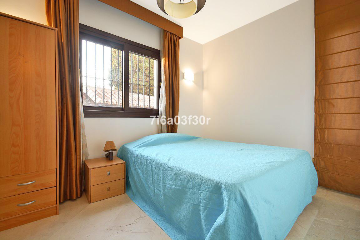 Villa con 4 Dormitorios en Venta San Pedro de Alcántara