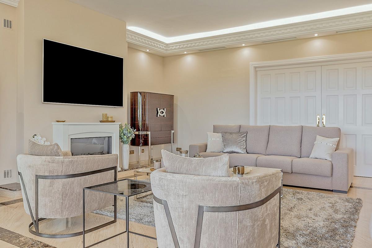 11 Bedroom Villa For Sale - Sierra Blanca