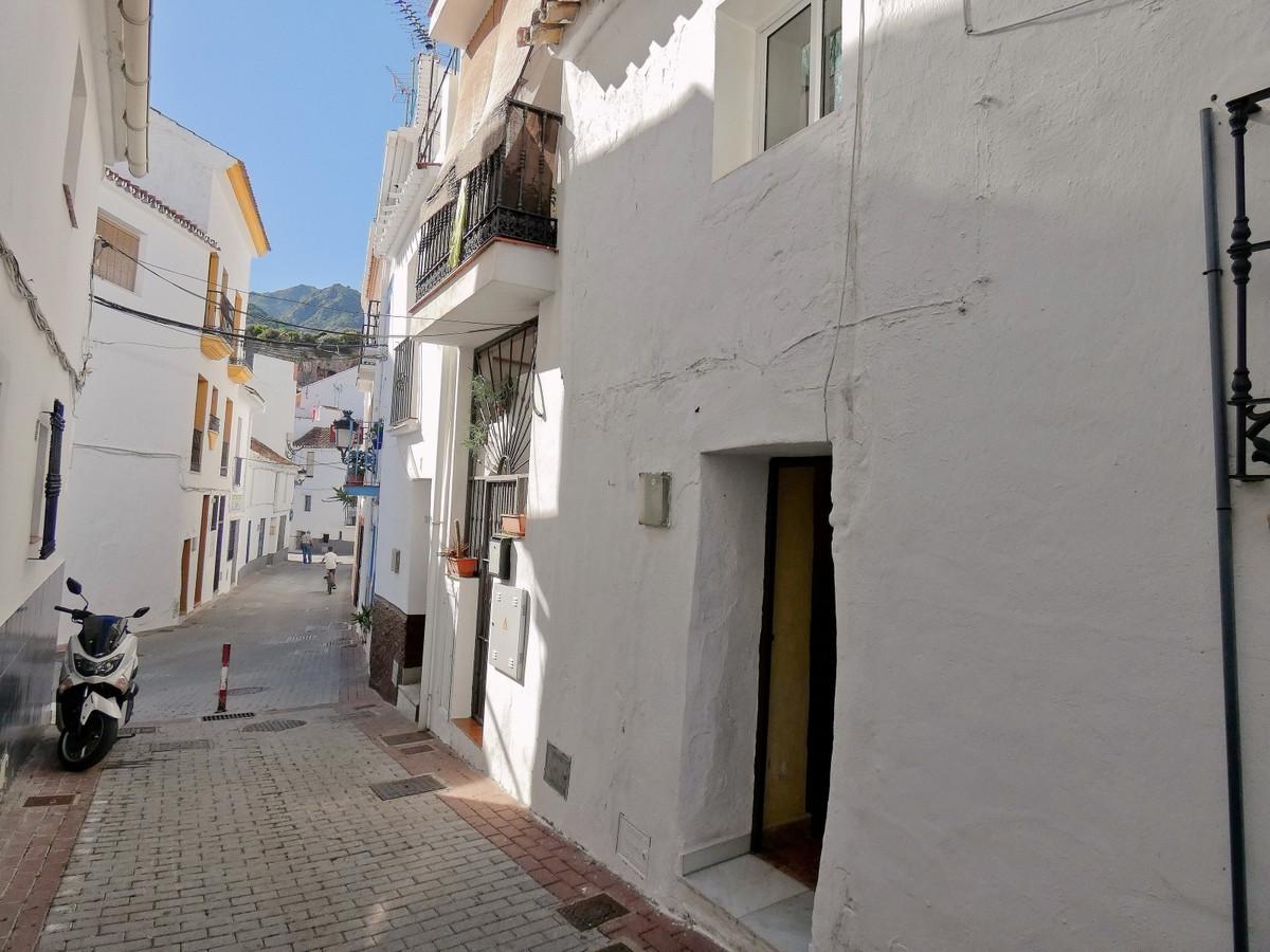 1 Bedroom Ground Floor Apartment For Sale Ojén, Costa del Sol - HP3910414