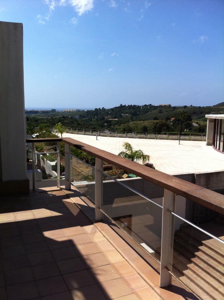 Middle Floor Apartment, Benahavis, Costa del Sol. 1 Bedroom, 1 Bathroom, Built 71 m², Terra,Spain