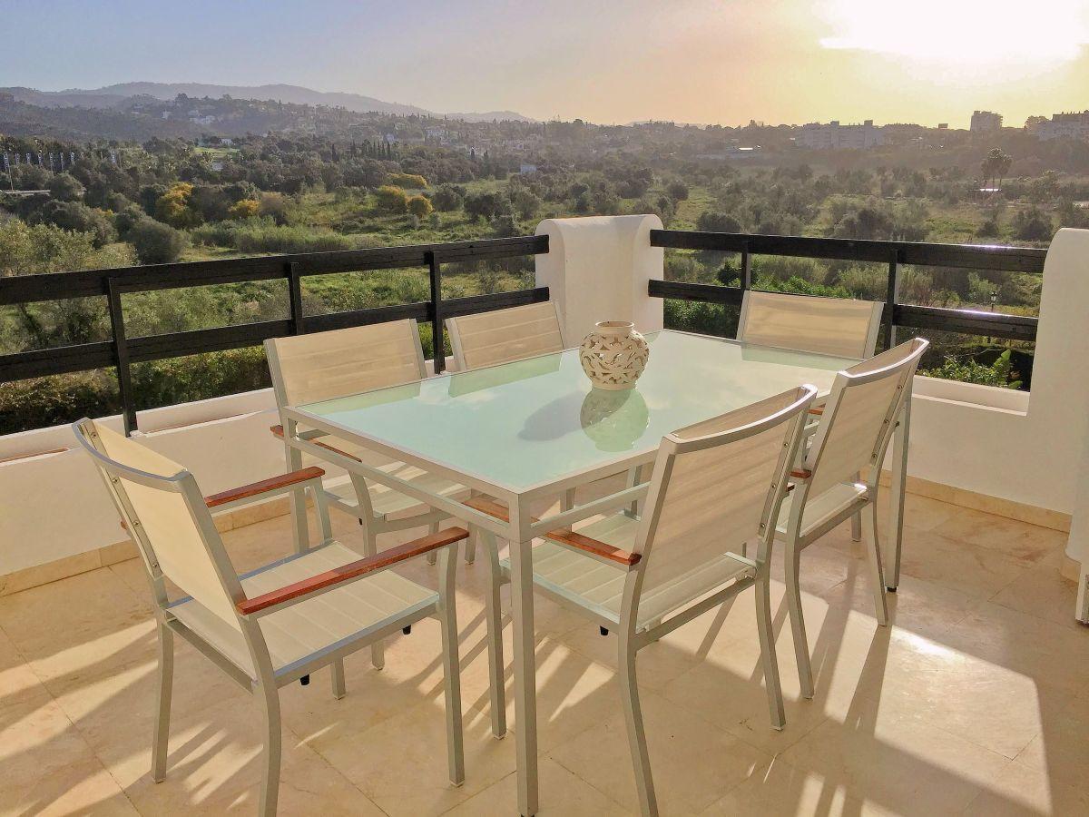 Lägenhet på mellanplan i Los Monteros R3161677