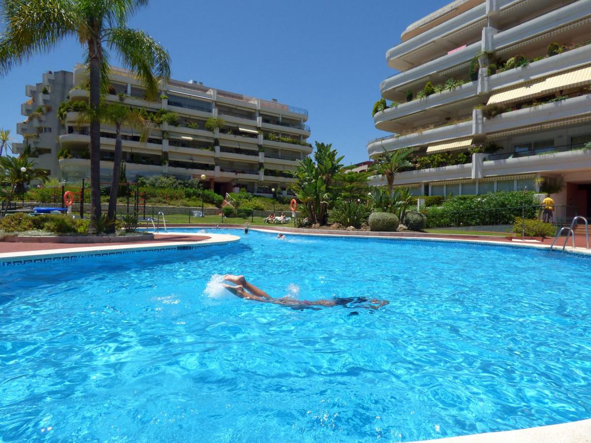 Beautiful apartmet first line golf in Guadalmina. 2 bedrooms, 2 bathrooms, large living room and ter,Spain