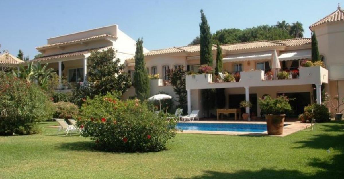 Detached Villa for sale in Guadalmina Baja R3610583