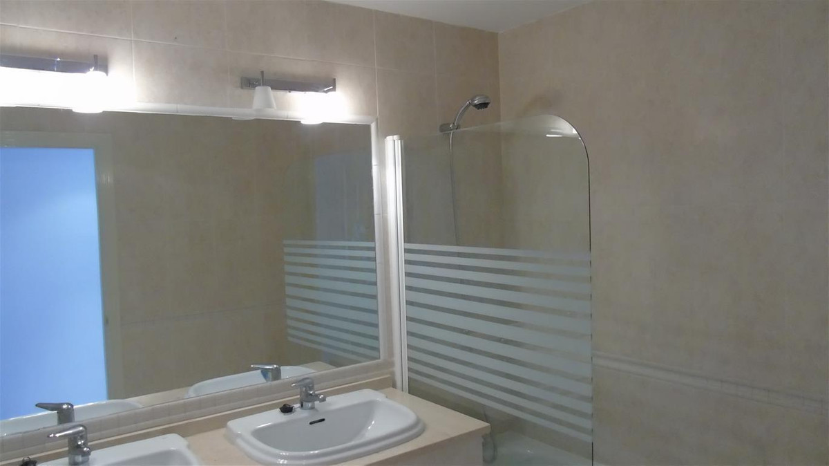 Apartamento con 3 Dormitorios en Venta Alhaurin Golf