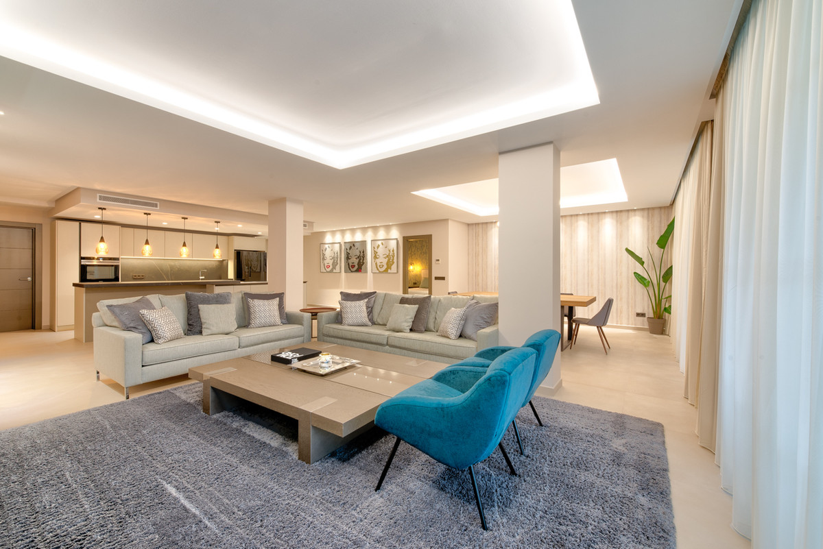One of the most iconic beachfront developments on the New Golden Mile. Fully renovated including new,Spain