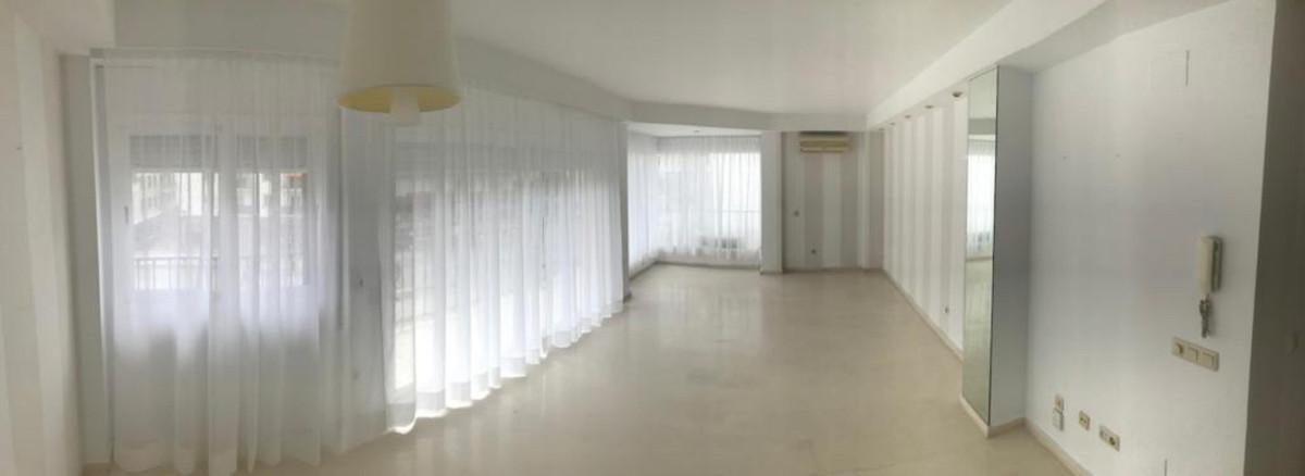 Apartamento  Planta Media en alquiler  en San Pedro de Alcántara