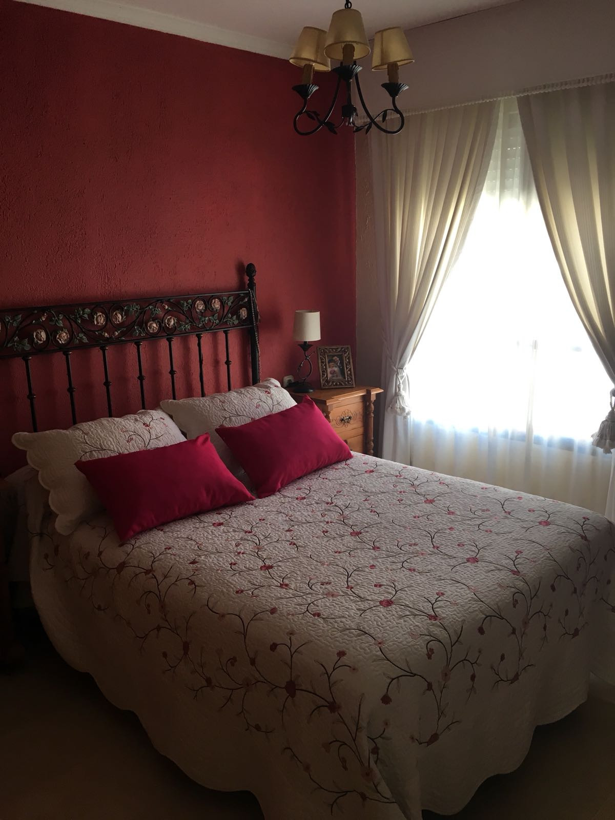 Unifamiliar con 5 Dormitorios en Venta Estepona