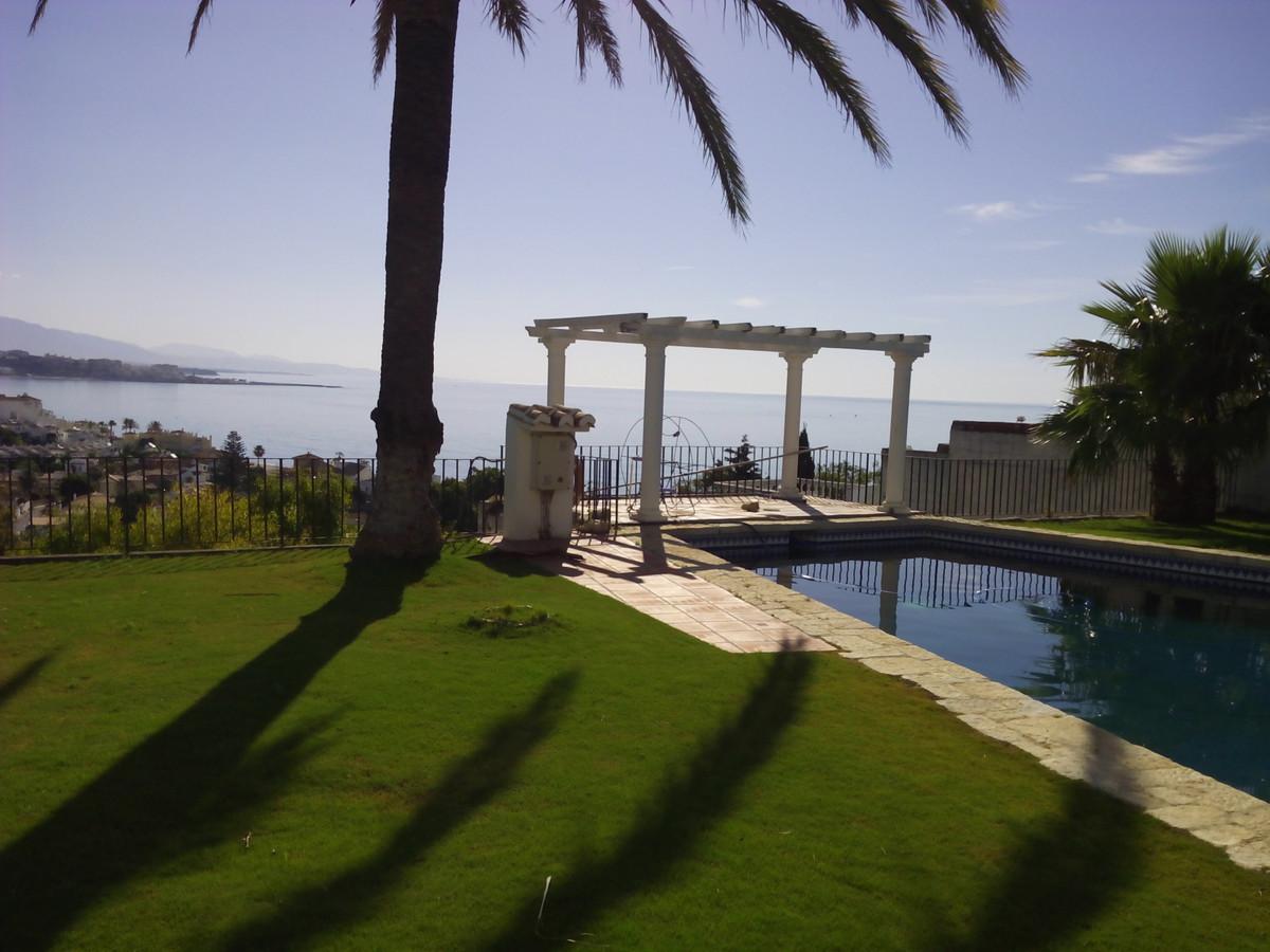 Villa · Estepona