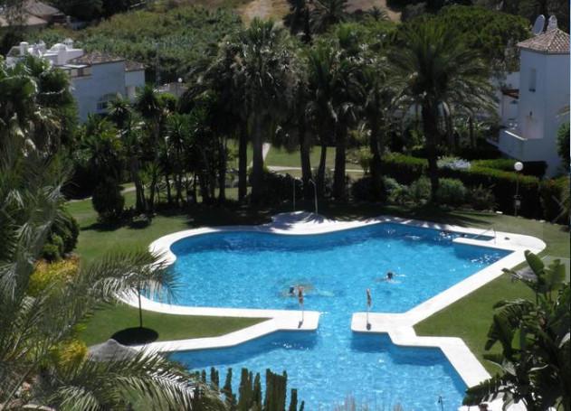 Townhouse, Estepona, Costa del Sol. 5 Bedrooms, 3 Bathrooms, Built 190 m², Terrace 35 m², Garden/Plo,Spain