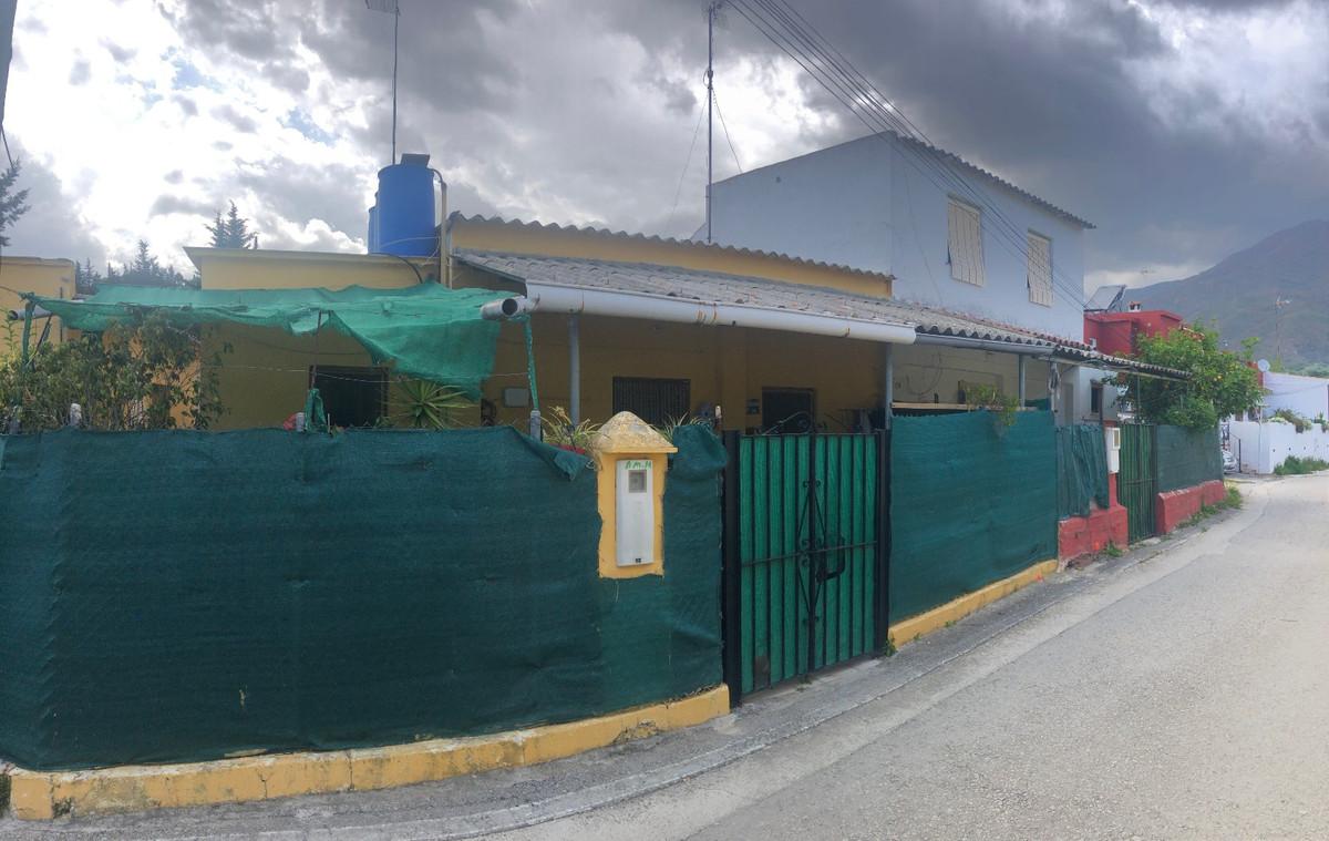 2 Dormitorio Chalet en Venta, Estepona