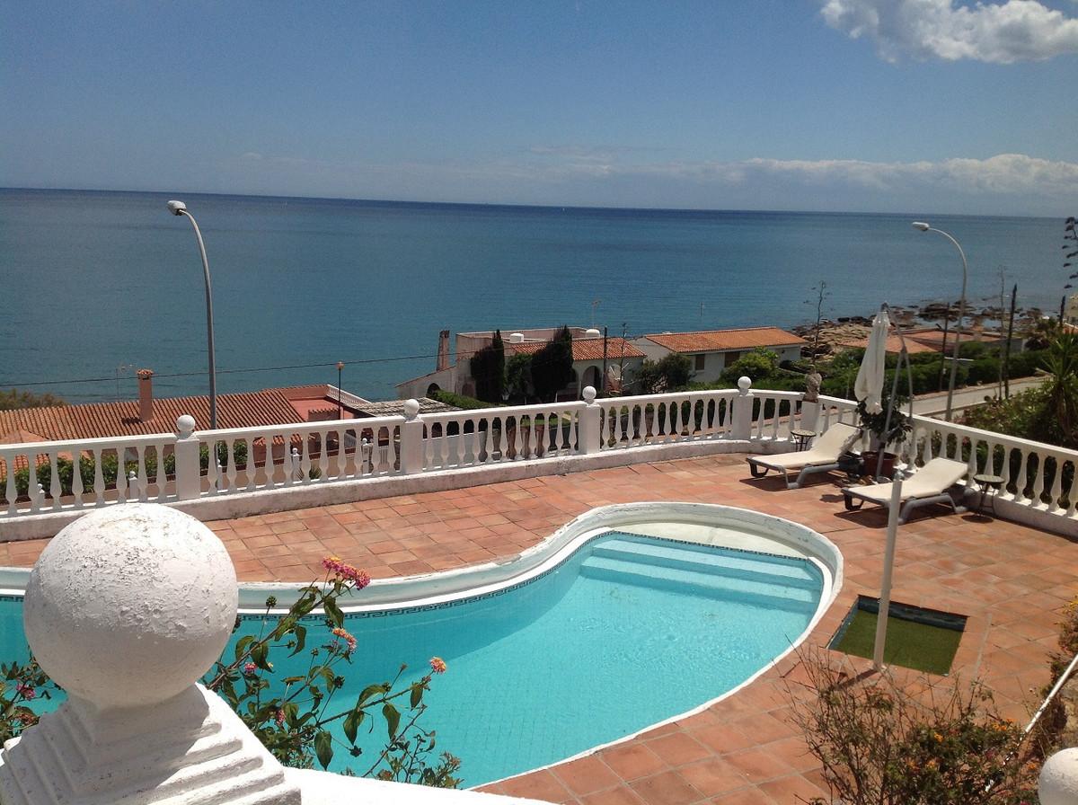 Ref:CR2797739 Villa For Sale in Torreguadiaro