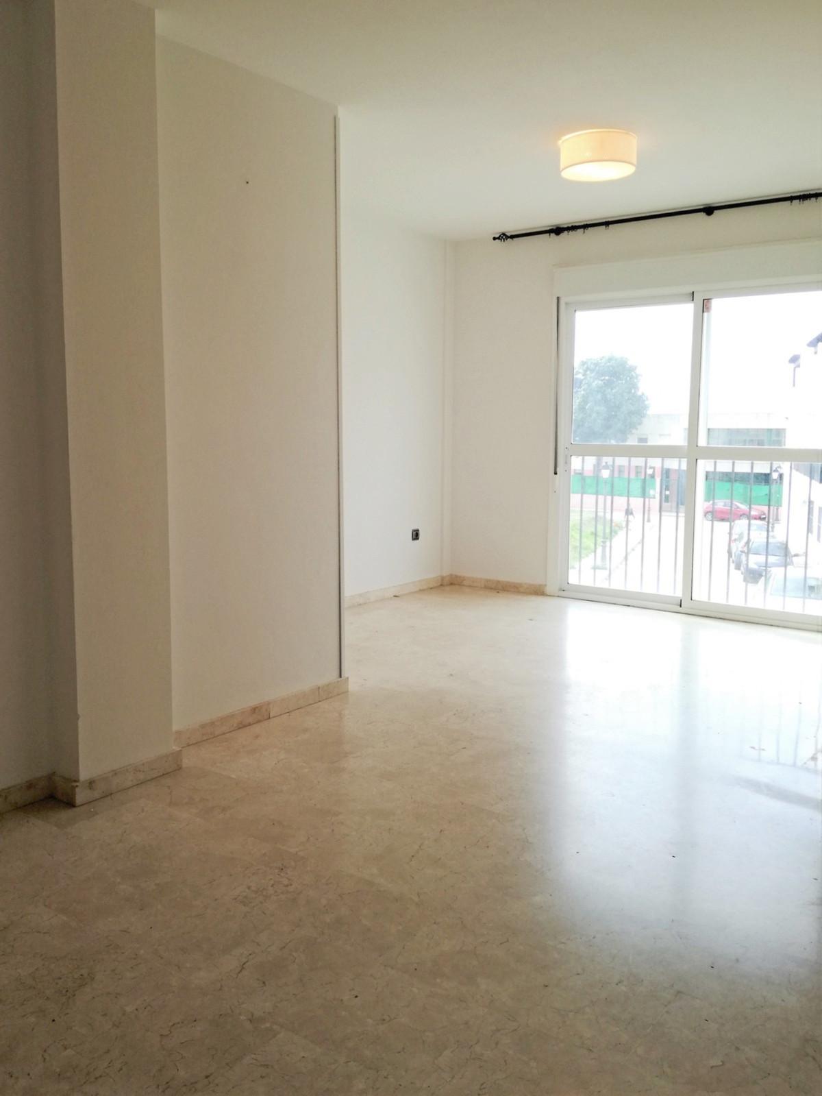 Ground Floor Apartment, Estepona East, Costa del Sol. 2 Bedrooms, 2 Bathrooms, Built 80 m².  Setting,Spain