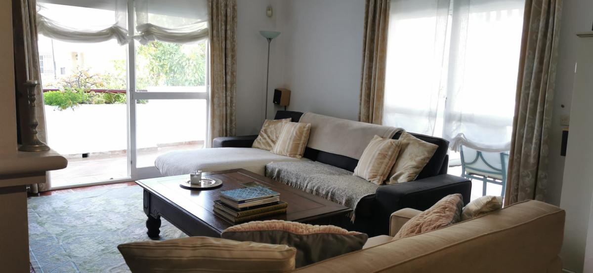 Appartement  Mi-étage en vente   à Bel Air