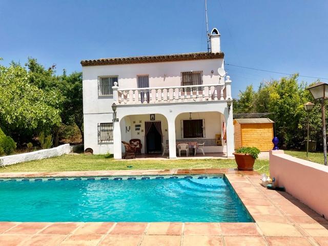 Finca - Cortijo, Estepona, Costa del Sol. 3 Bedrooms, 2 Bathrooms, Built 200 m², Terrace 20 m², Gard,Spain