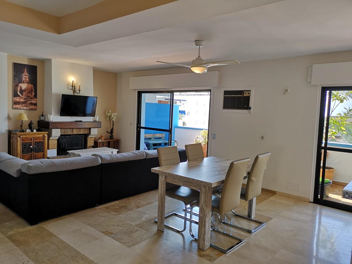 Beautiful apartment located in a good area.  Location: Estepona Description: Type: Apartment on the ,Spain