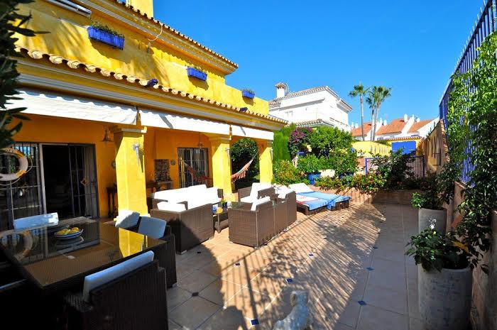 Villa 7 Dormitorios en Venta Atalaya