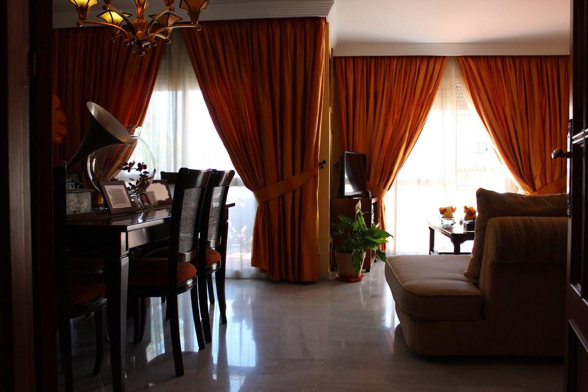 Unifamiliar con 4 Dormitorios en Venta Estepona