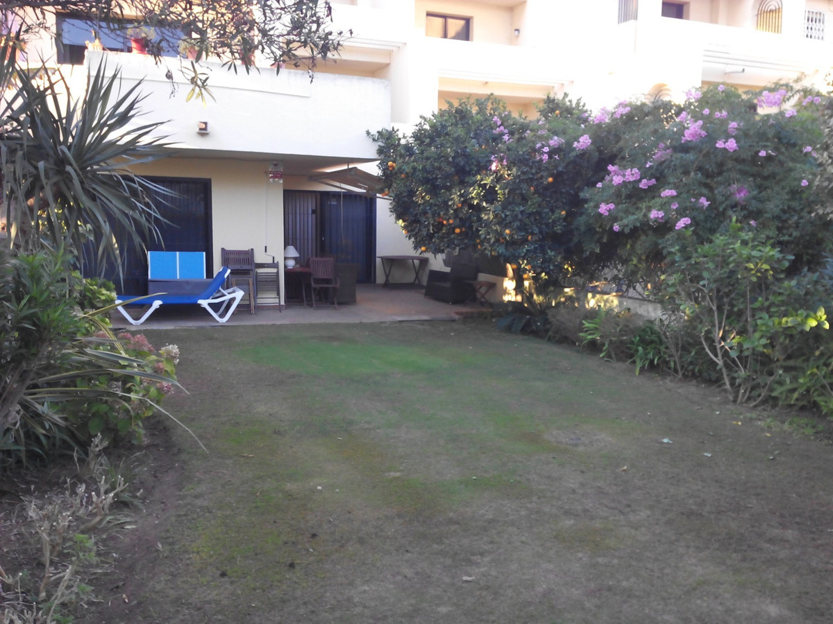 2 Bedroom Ground Floor Apartment For Sale Sotogrande Costa, Costa del Sol - HP2802644