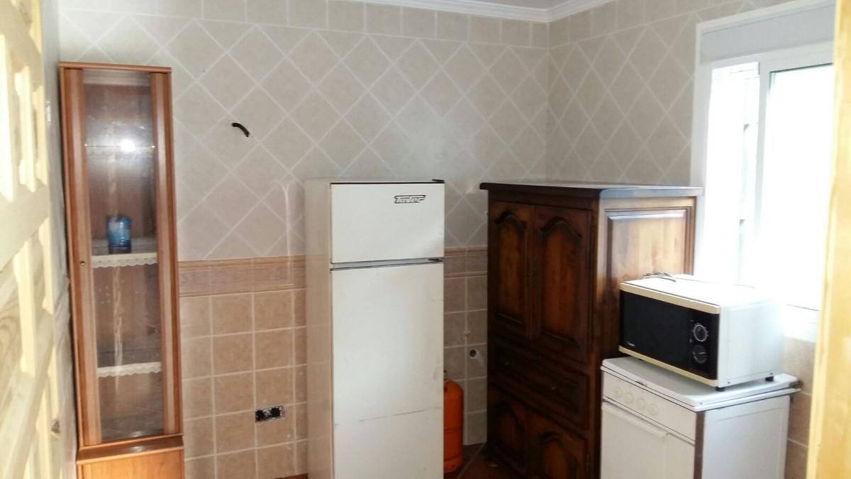 3 Bedrooms - 2 Bathrooms