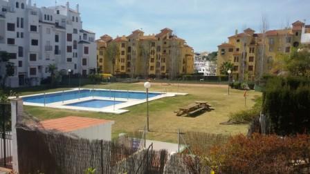 Middle Floor Apartment, Estepona, Costa del Sol. 3 Bedrooms, 2 Bathrooms, Built 135 m², Terrace 10 m,Spain