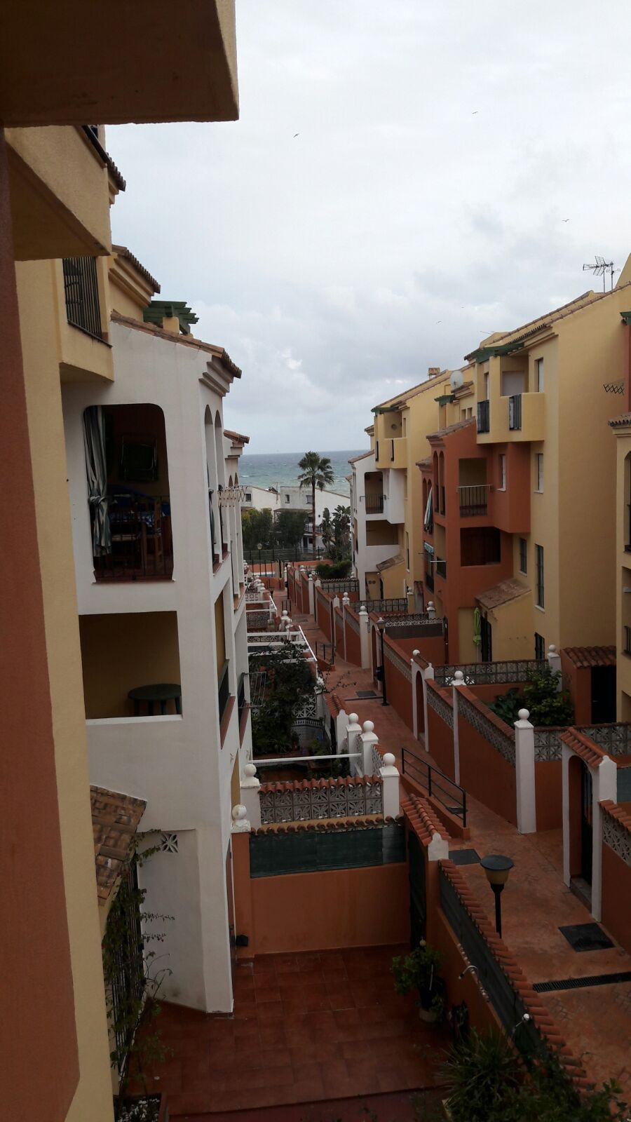 Apartment of 75 m², second floor with elevator, 2 bedrooms with fitted wardrobes, bathroom, lounge, ,Spain