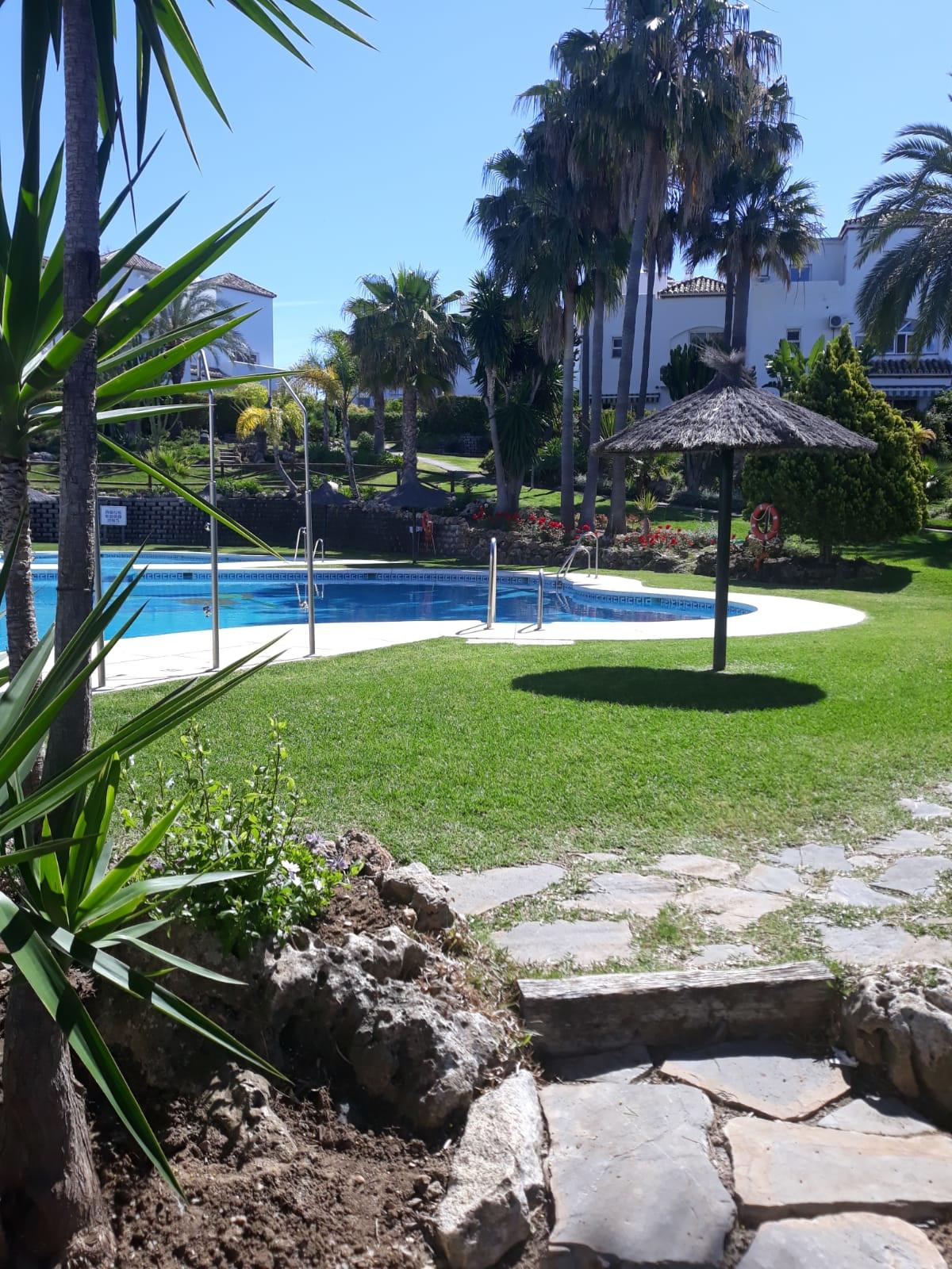 Townhouse, El Padron, Costa del Sol. 4 Bedrooms, 3.5 Bathrooms, Built 140 m², Terrace 30 m², Garden/,Spain