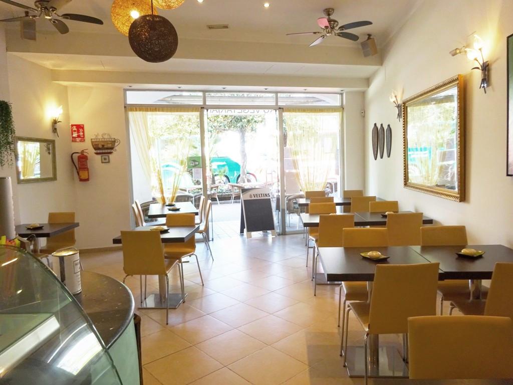 Restaurant, Estepona, Costa del Sol. Built 89 m², Terrace 100 m².  Setting : Town, Commercial Area, ,Spain