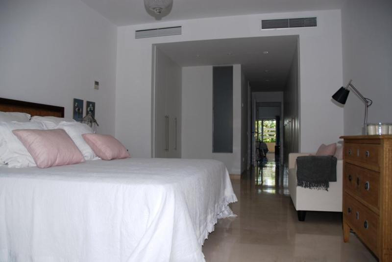 Middle Floor Apartment in Sotogrande Playa
