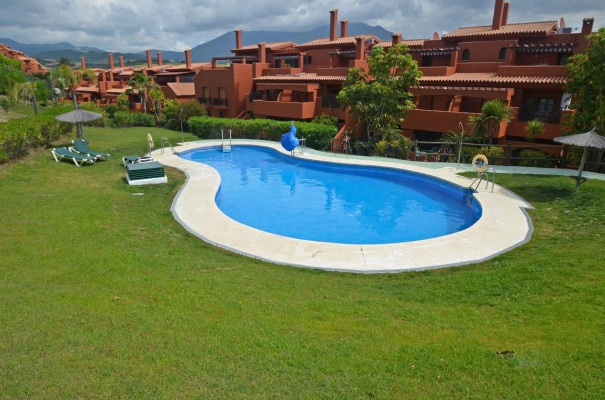 Penhouse, Estepona, Costa del Sol. 3 Bedrooms, 2 Bathrooms, Built 148 m², Terrace 92 m².  Setting : ,Spain