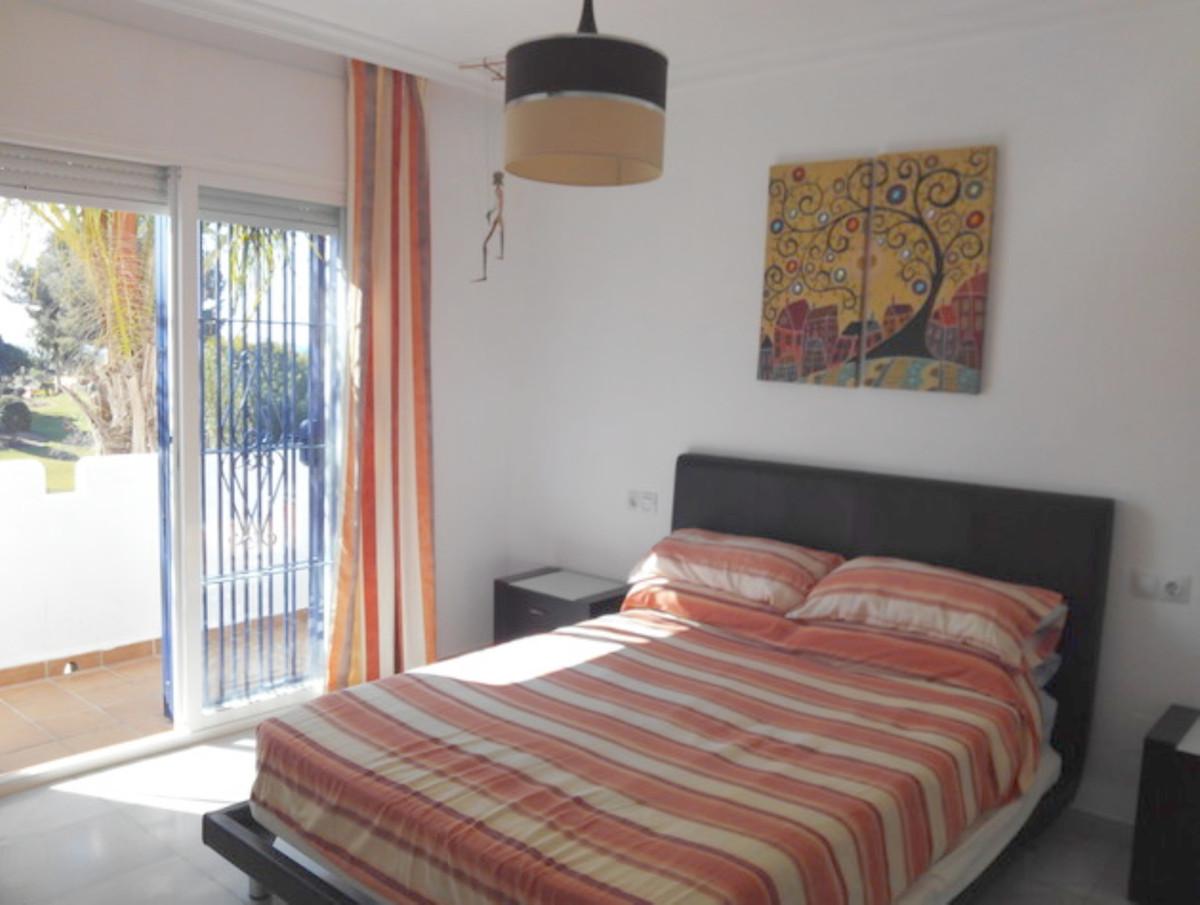 3 Dormitorio Adosada Unifamiliar En Venta Estepona