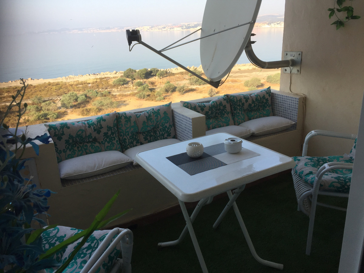 Middle Floor Studio, Estepona, Costa del Sol. 1 Bedroom, 1 Bathroom, Built 42 m², Terrace 6 m².  Set,Spain