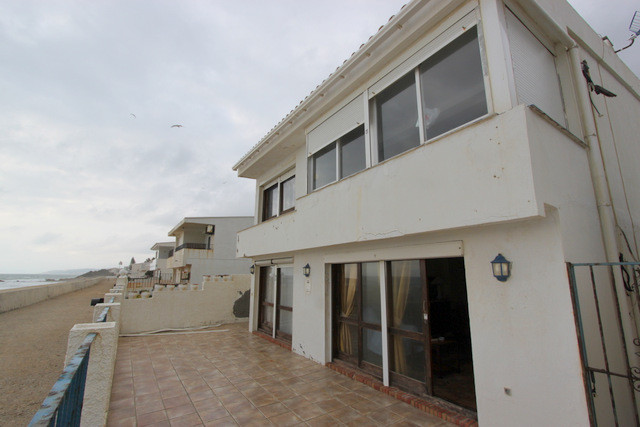 Villa 3 Dormitorios en Venta Estepona
