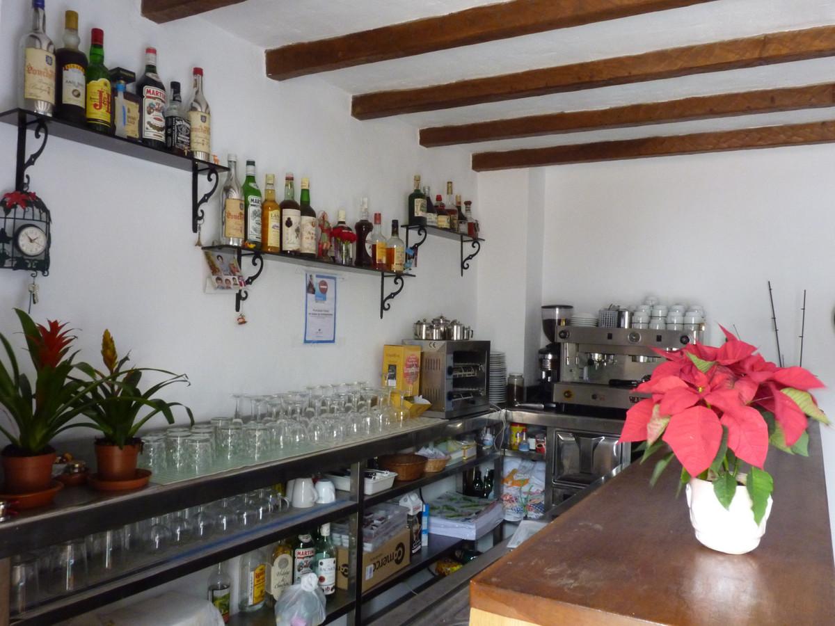 Commercial in Casares Pueblo