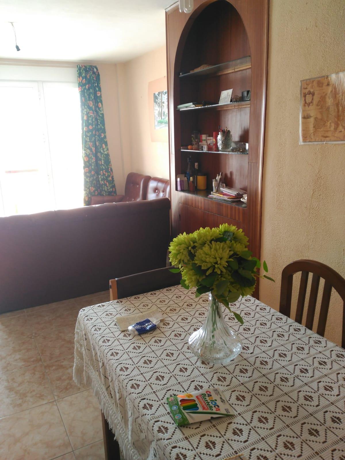 Middle Floor Apartment, La Linea, Costa del Sol. 4 Bedrooms, 1.5 Bathrooms, Built 106 m², T,Spain