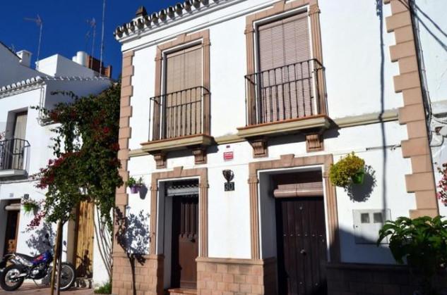 Ground Floor Apartment, Estepona, Costa del Sol. 4 Bedrooms, 3 Bathrooms, Built 171 m².  Setting : VSpain