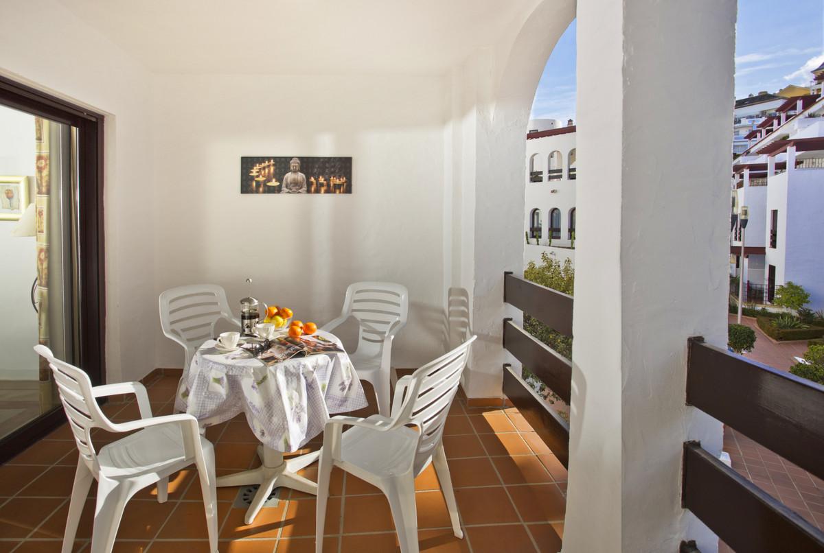 Middle Floor Apartment Nueva Andalucía