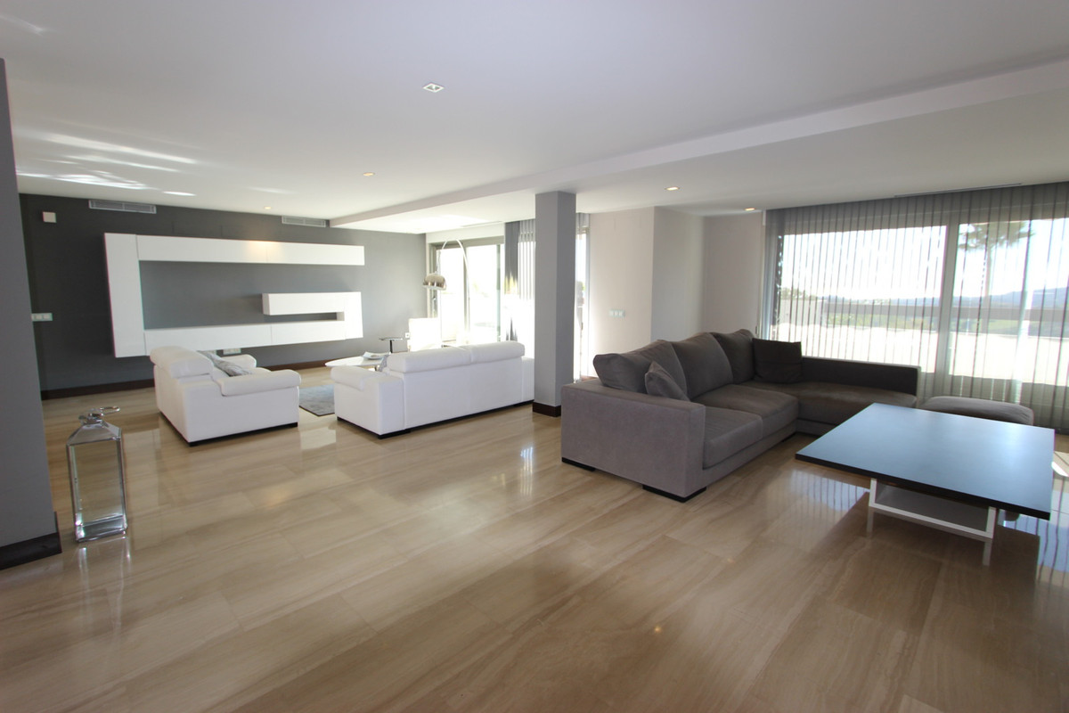 Spectacular and luxurious apartment, in a lovely urbanizacion in La reserva de Al Cuscuz close to  N,Spain