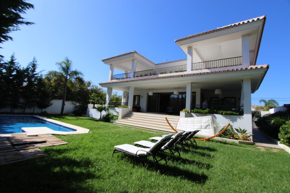 Villa  Independiente en venta   en Puerto Banús