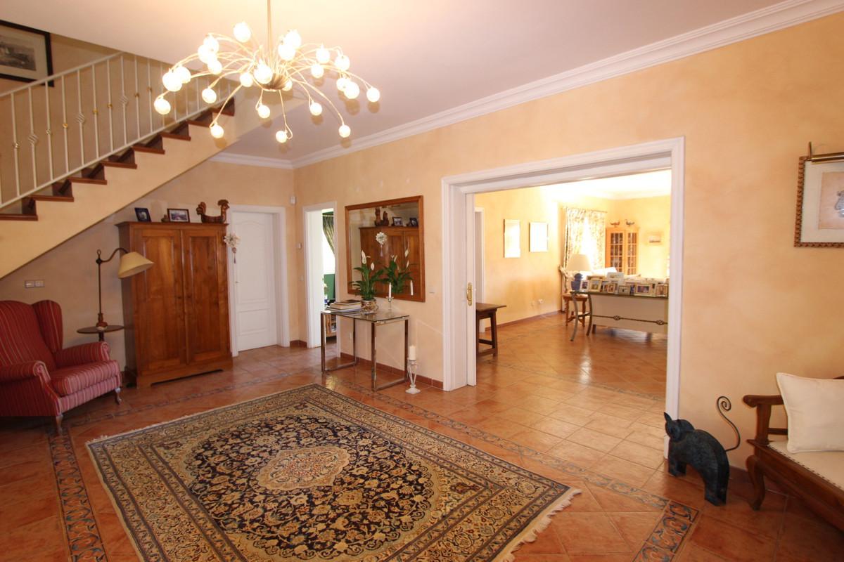 Villa 5 Dormitorios en Venta La Quinta