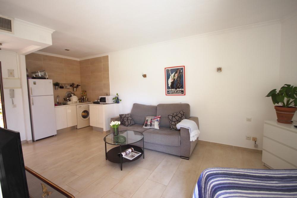 Ground Floor Studio for sale in Atalaya