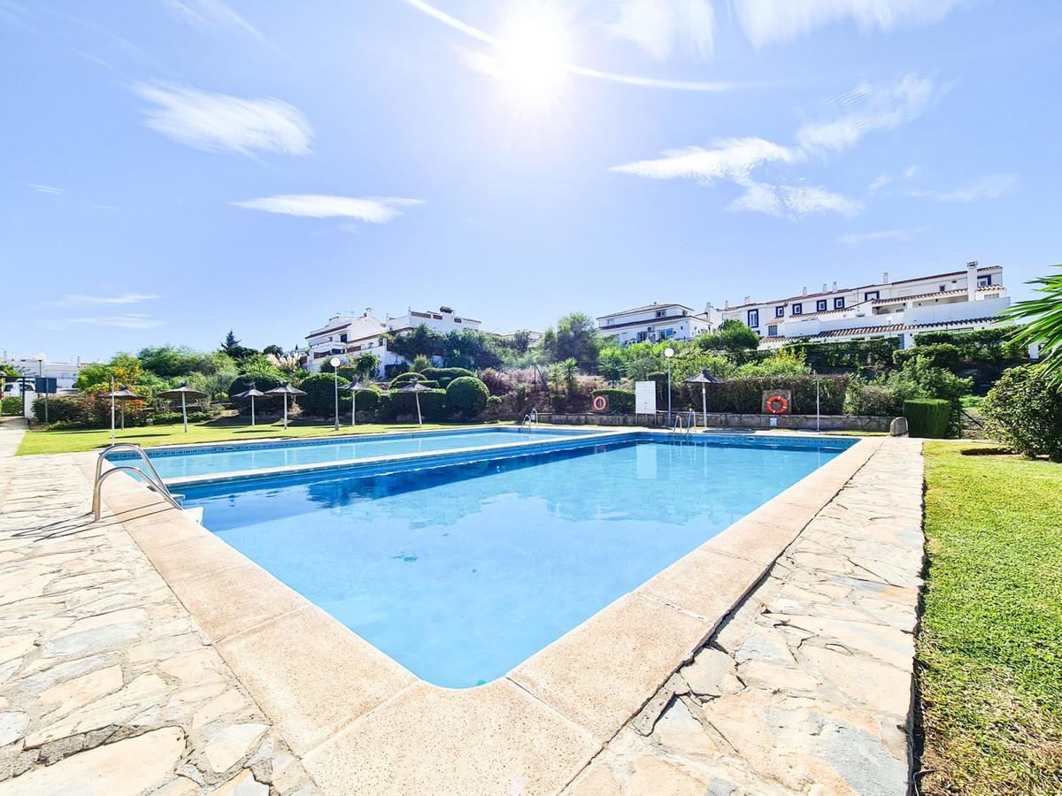 Villa  Pareada en venta   en La Duquesa