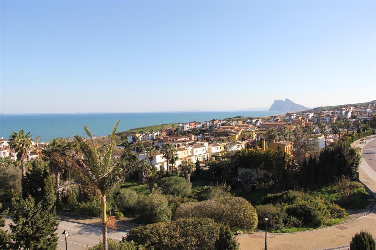 Villa in Alcaidesa *** 7 Bedrooms & 4 Bathrooms *** South Facing with Full Panoramic Views of Gi,Spain