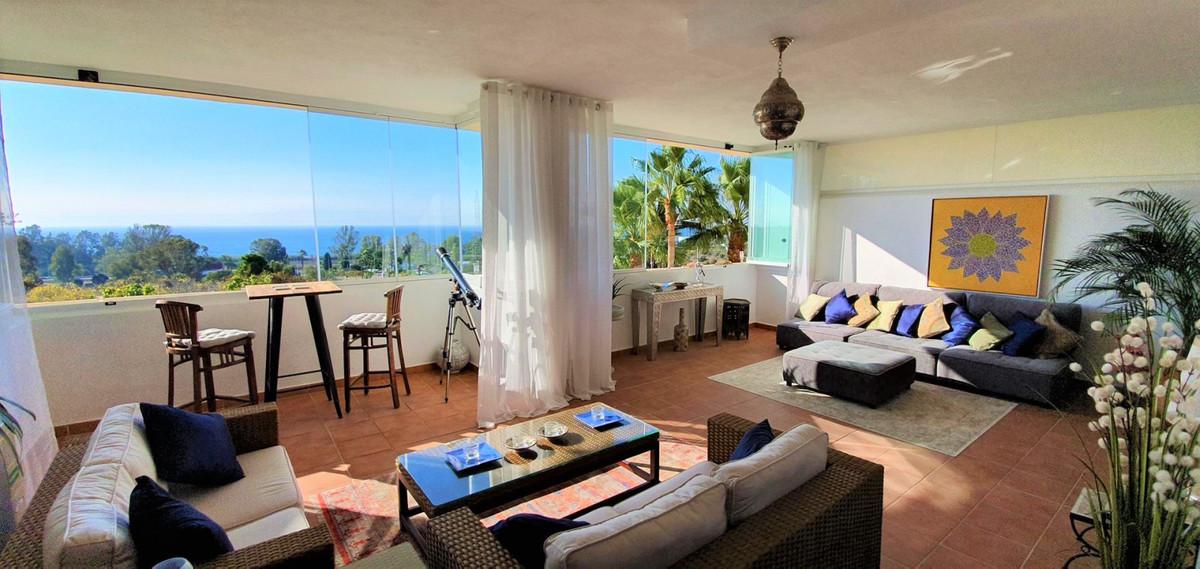 Middle Floor Apartment, Estepona, Costa del Sol. 2 Bedrooms, 2 Bathrooms, Built 89 m², Terrace 50 m²,Spain