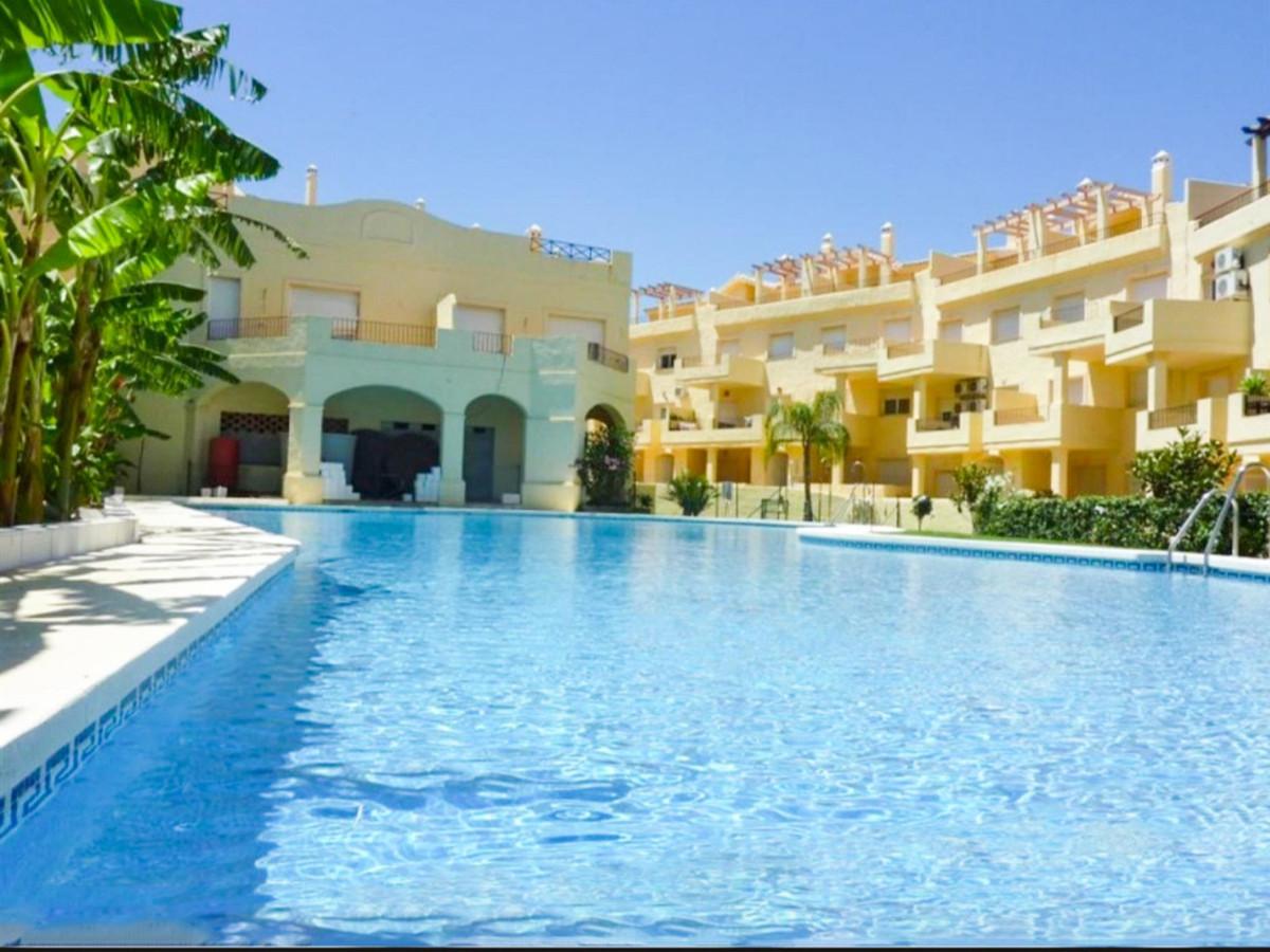 *** Spacious Duplex Penthouse in Duquesa Fairways *** 3 Beds & 3 Baths (2 ensuite and 1 guest to,Spain