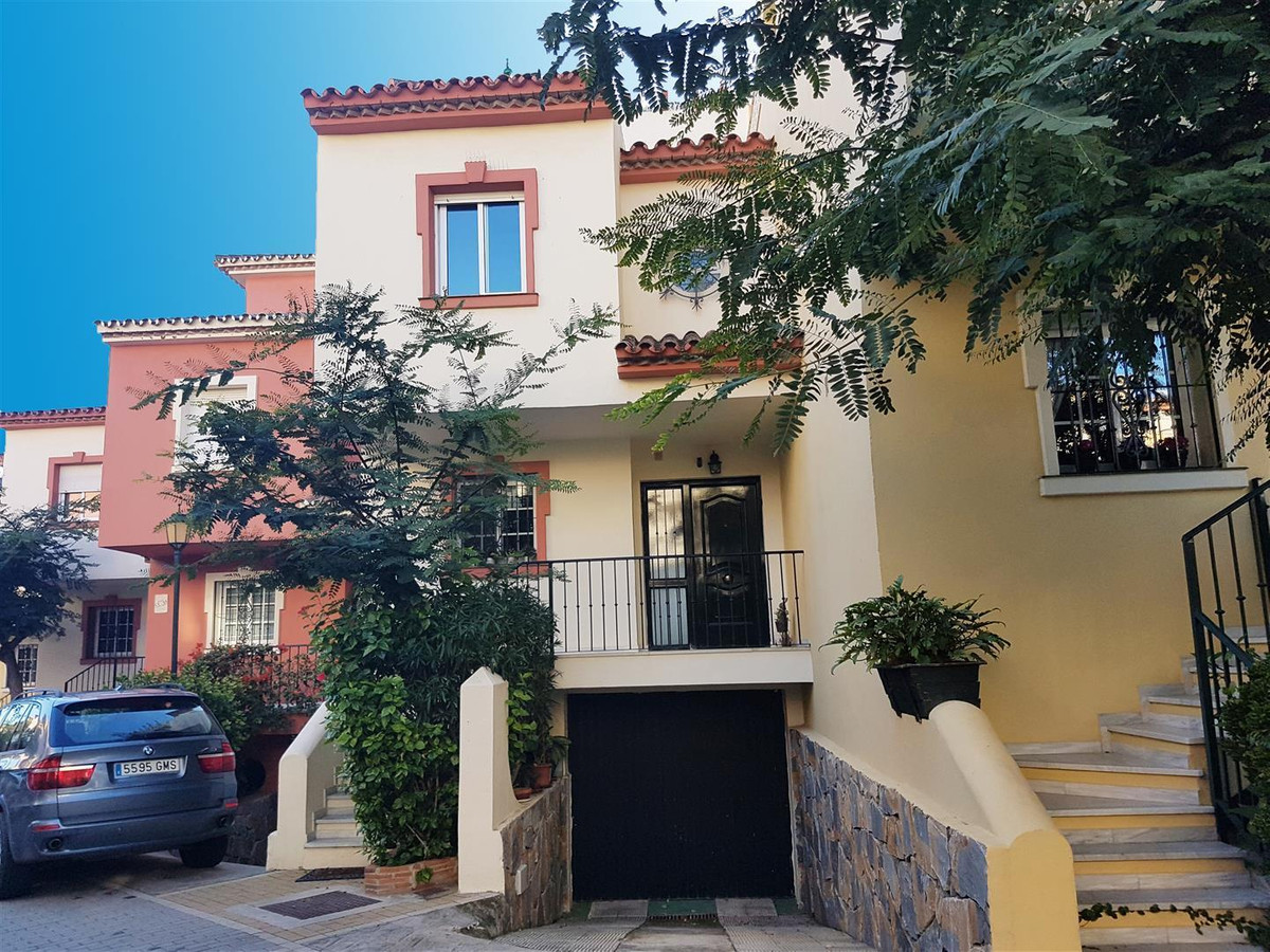 Townhouse for Sale in New Golden Mile, Estepona *** Beachfront (first line) Complex *** Walking Dist,Spain