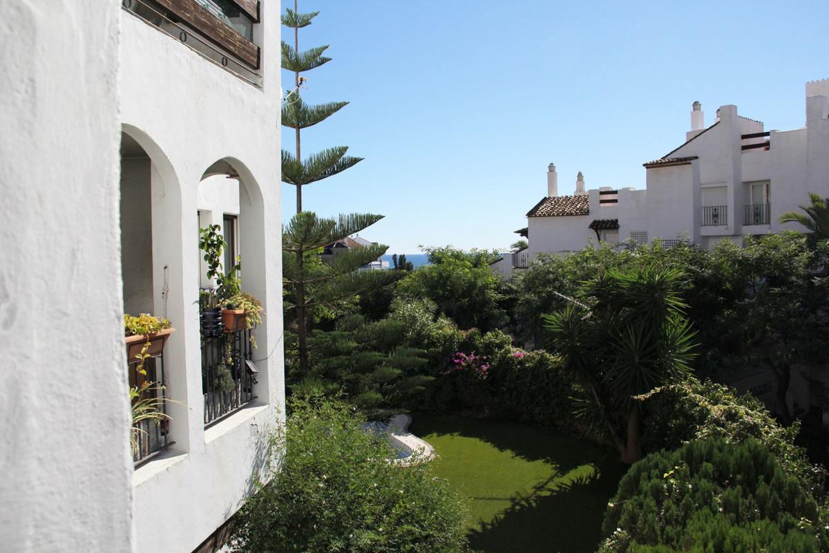 R3296050: Apartment for sale in La Duquesa
