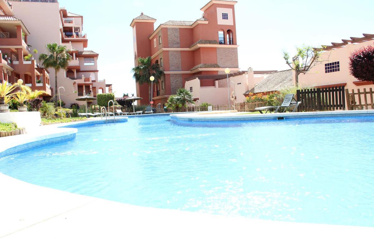 *** 3 Bedroom Duplex Penthouse in Duquesa Regent *** Stunning Views of Mediterranean *** 3 Bedrooms ,Spain